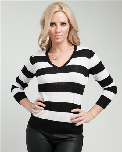 black and white stripes top